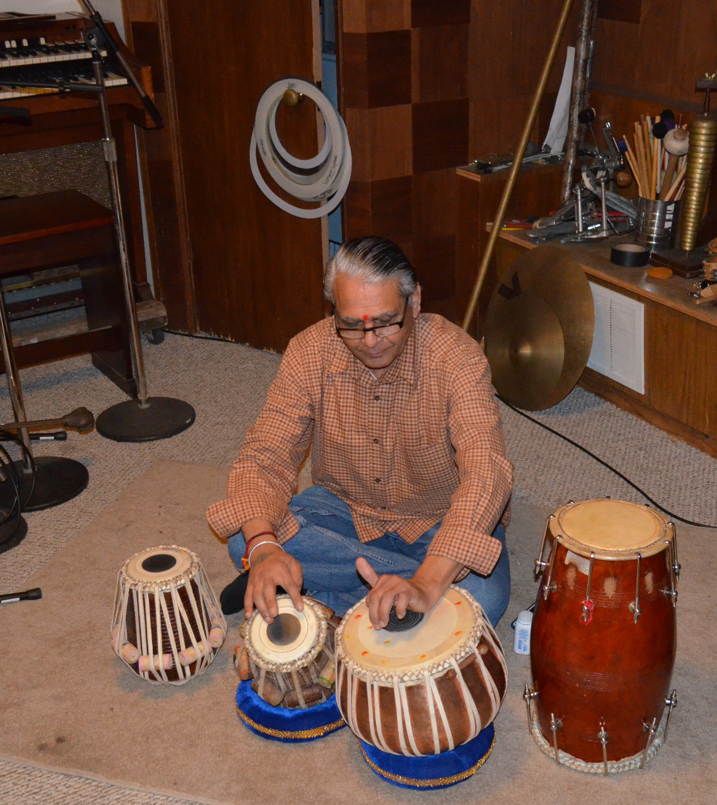 "Puran Vyas playing with Habib Wardack on ""Anar, Anar"" for volume 5."
